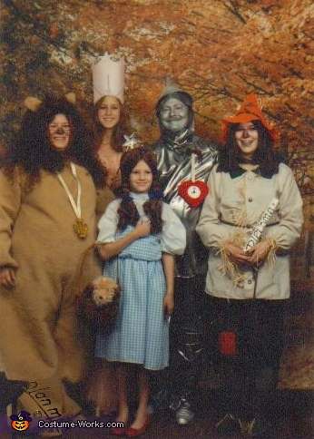 The Wizard of Oz Family Halloween Costume DIY