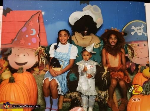 Everyone in Bass Pro Shop wanted us on canvas, The Wizard of Oz Of Texas Costume