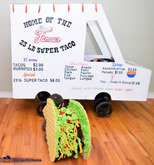 Taco stuffed with beef, lettuce, cheese and tomato!, The World Famous 23 lb Super Taco Costume
