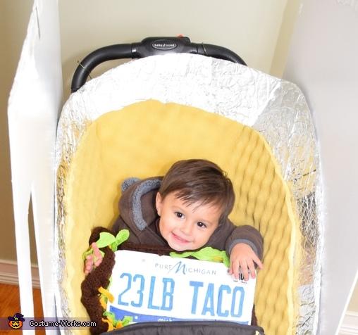 I'm the 23 lb taco!, The World Famous 23 lb Super Taco Costume