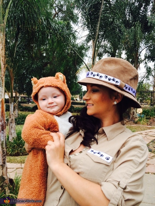 I caught the bear!, The Zoo Keeper and the Bear Costume