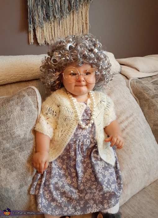 Thelma Harper Costume