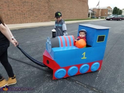 Choo choo, Thomas The Train Costume
