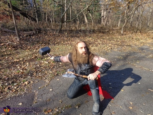 Thor is ready to leap into action!, Thor Odinson Costume