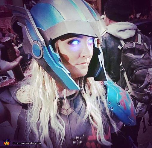 Close up, Thor Ragnarok Costume