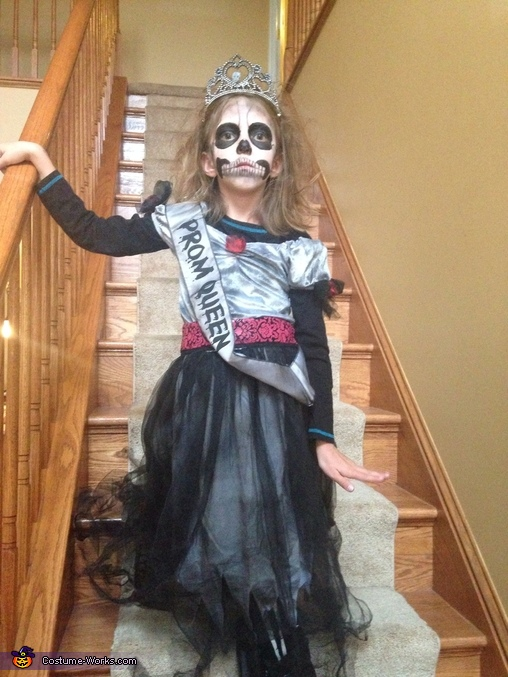 Ready for prom, Three Skeletons Costume