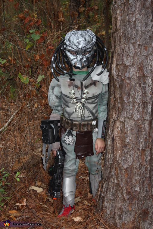 Do you see him, Tiny Predator Costume