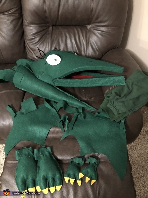 Full costume pieces, Tiny the Pteranadon from Dinosaur Train Costume