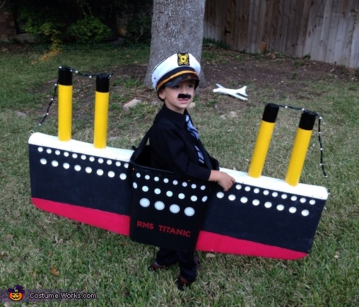 Captain of the Titanic Costume