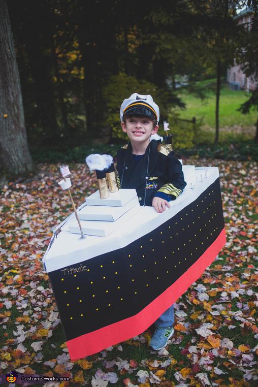Titanic front, Titanic and Iceberg Costume