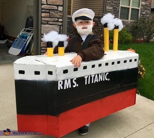 Titanic - Captain Smith Costume