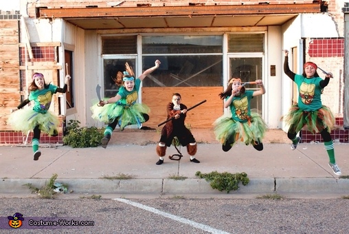 Go ninja, go ninja, go ninja! GO!, Ninja Turtles and Splinter Group Costume