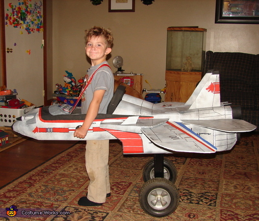 Trying out the Landing Gear, Jet Pilot Maverick and his Top Gun Fighter Jet Costume