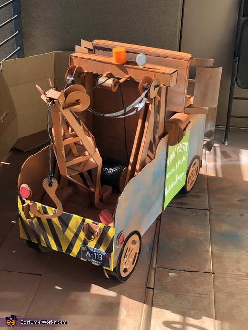 Back Angle, Tow Mater Costume