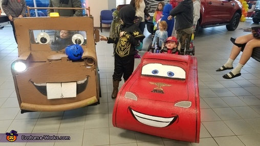 Mater and McQueen, Tow Mater Costume