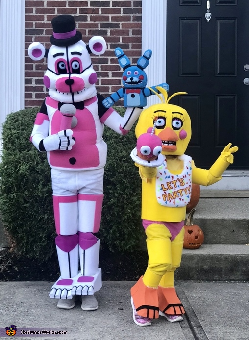 Five Nights at Freddys - Toy Chica and Fun Time Freddy Costume