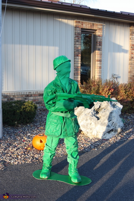 Machine Gun Soldier, Toy Soldiers Family Costume