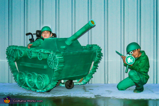 Toy Soldiers Family Homemade Costume