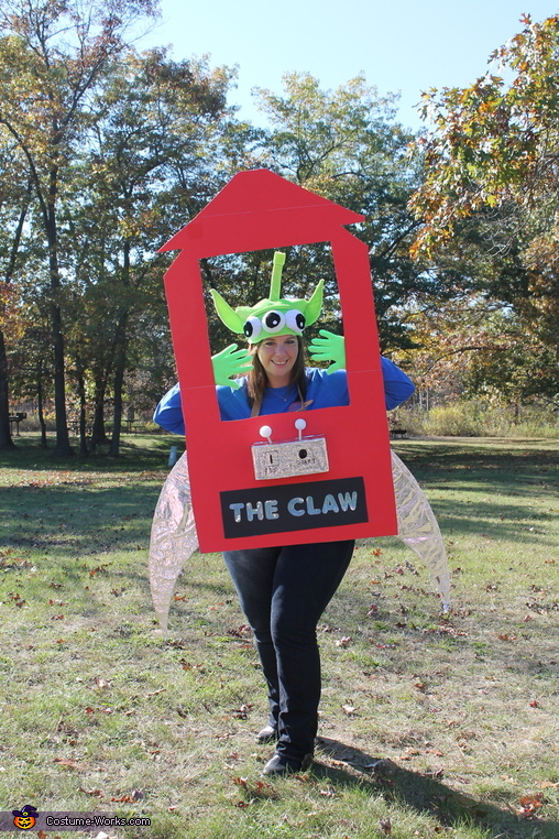 The claw, Toy Story Costume