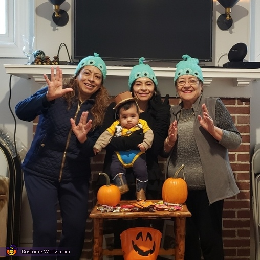'The Claw!', Toy Story Fam Costume