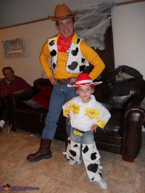 Ready partner!, Toy Story Family Costume