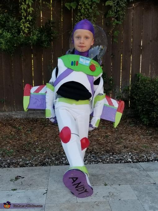 Buzz Lightyear, Toy Story Family Costume