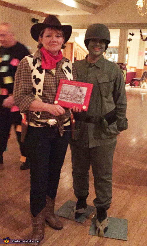 Woody (holding Etch a Sketch with Toy Story characters), Soldier, Toy Story Costume