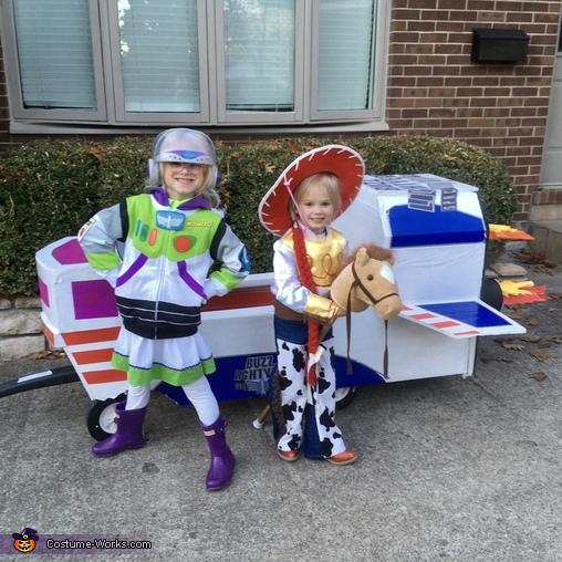 Toy Story's Buzz Lightyear & Jessie Costume
