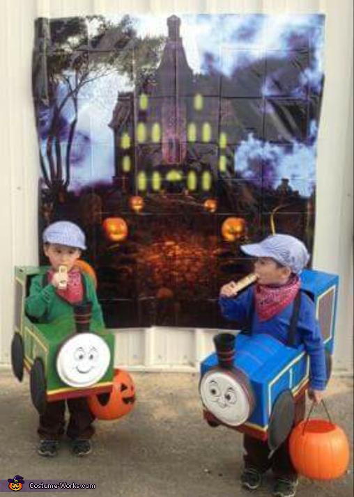 T&T''s Train Set Costume