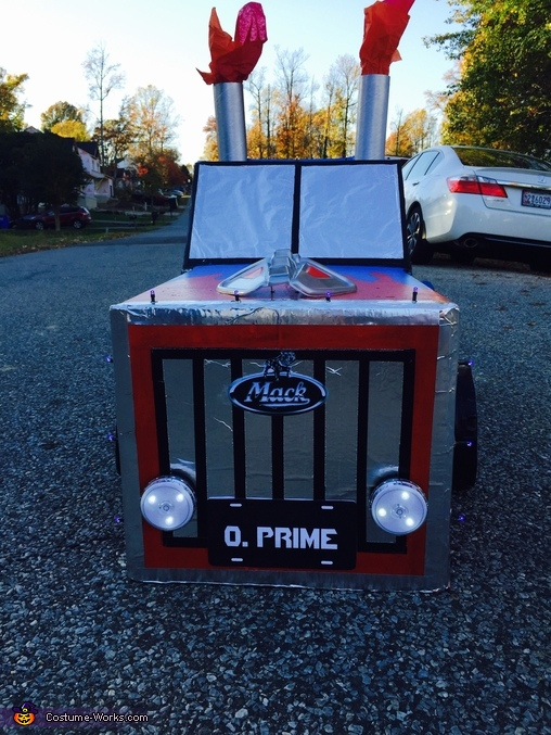 Optimus Prime pre transform 3, Transformer Optimus Prime Costume
