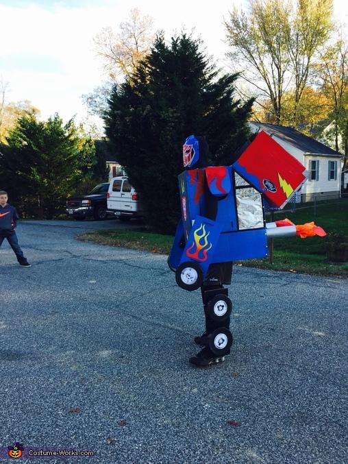 Optimus Prime transformed 2, Transformer Optimus Prime Costume