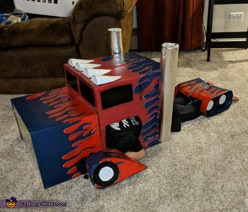 transformed, Transformer Optimus Prime Costume