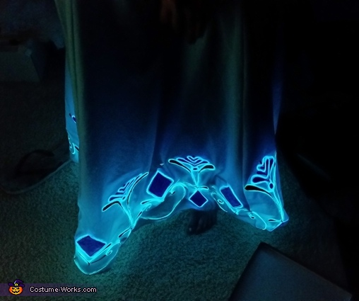 Lights at bottom of dress!, Transforming Elsa Costume