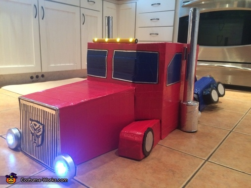 turck mode, Transforming Optimus Prime Costume
