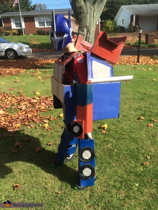 Side Robot view, Transforming Optimus Prime Costume