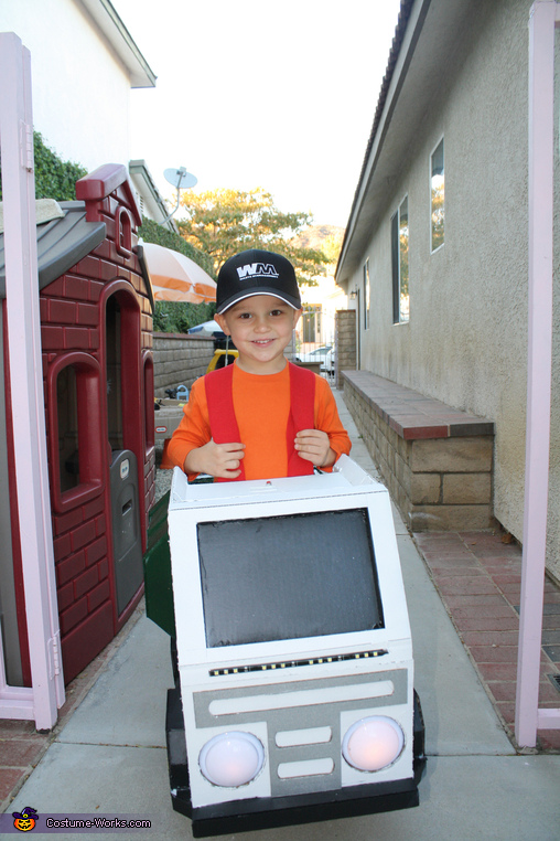 Cutest Trash Man I have ever seen!, Trash Man Costume