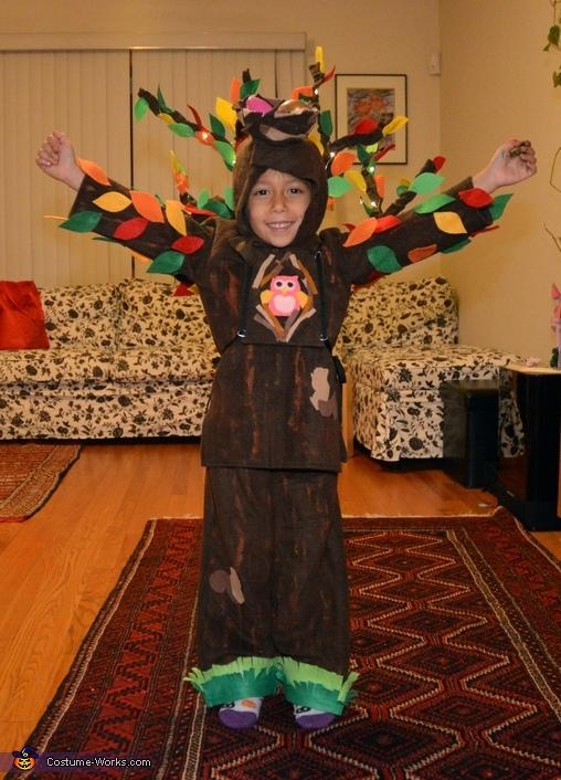 Homemade Tree Costume - Last Minute Costume Ideas