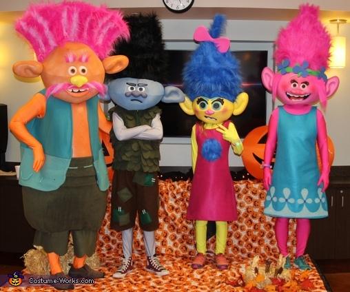 More Trolls, Trolls Family Costume