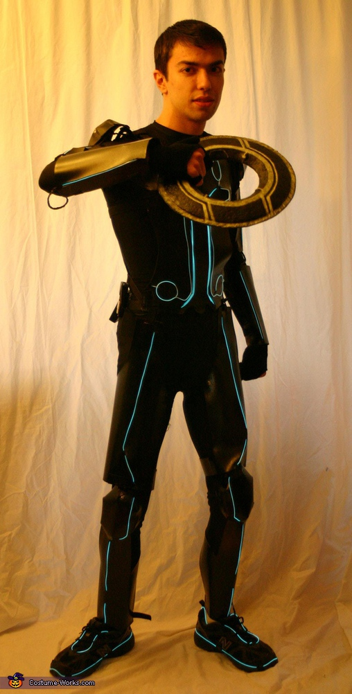 disc view, Tron Legacy Costume
