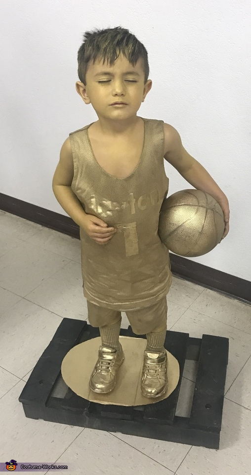 Basketball Trophy, Trophies Costume