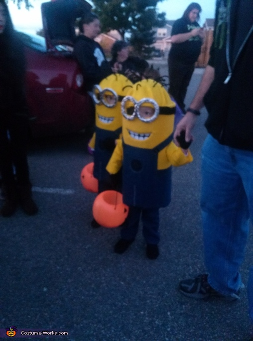 Out at the neighborhood Trunk or Treat yesterday. , Twin Minions Costume