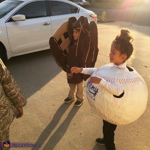 Glove & Ball, Twins Baseball & Glove Costume