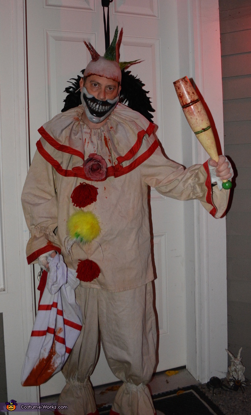 Twisty the Clown - without makeup, Twisty the Clown Costume