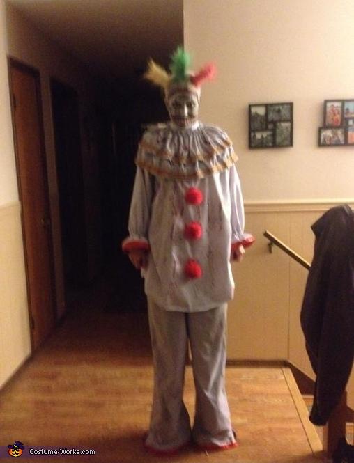 Full length, on blocks!, Twisty the Clown Costume