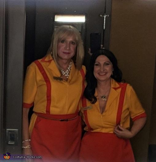 Two Broke Girls Costume