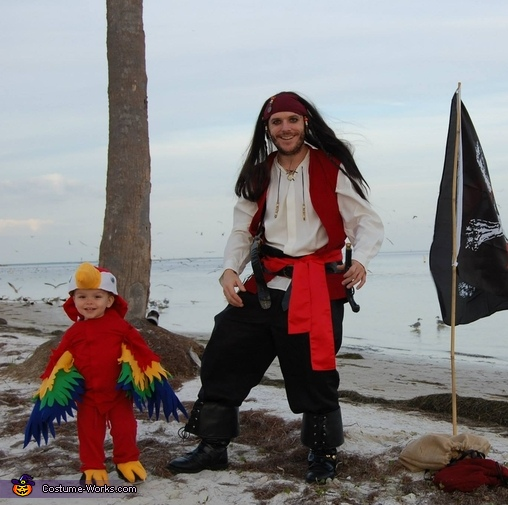 Pirate Dad and Parrot Son, Two Pirates and a Parrot Family Costume