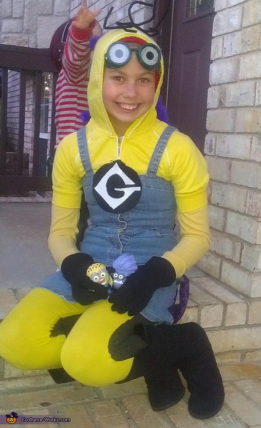 sitting pretty, Two Sided Minion Costume