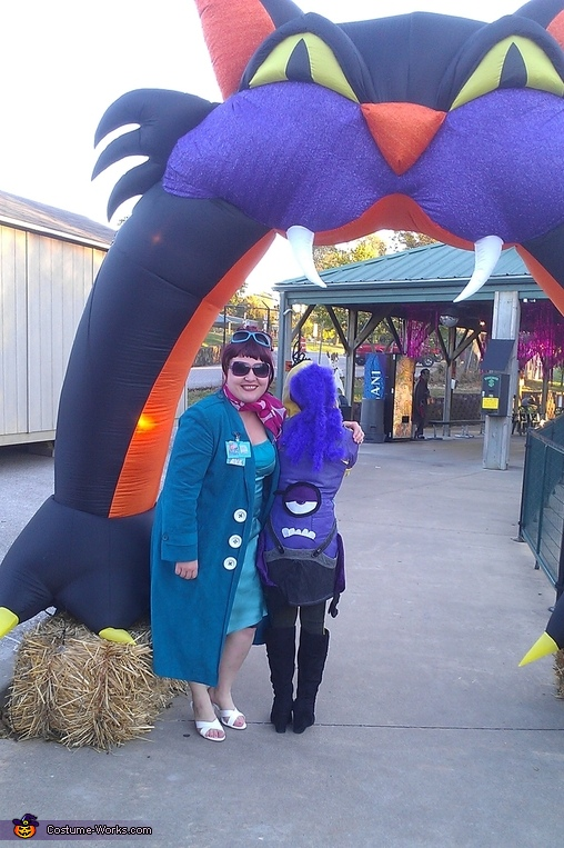 evil minion and lucy wilde , Two Sided Minion Costume