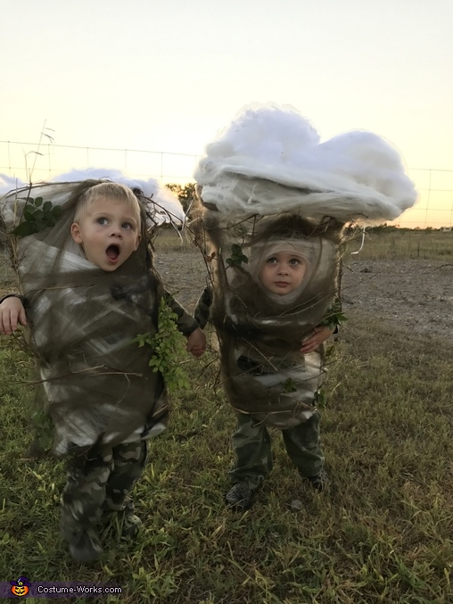 Looking for trouble, Two Texas Tornadoes Costume