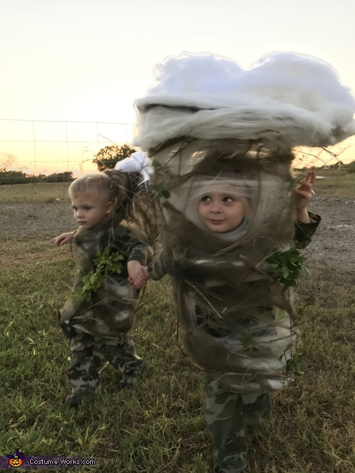 Wondering the directions to go, Two Texas Tornadoes Costume